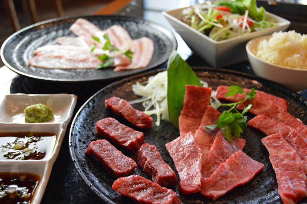 ハワイでオシャレにディナー!NO.1焼肉 ― Japanese BBQ 吉(よし)