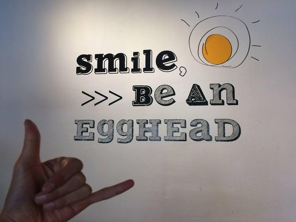 行列ができるハワイの人気カフェ「EGGHEAD BREAKFAST & LOVE」 カカアコでブランチ