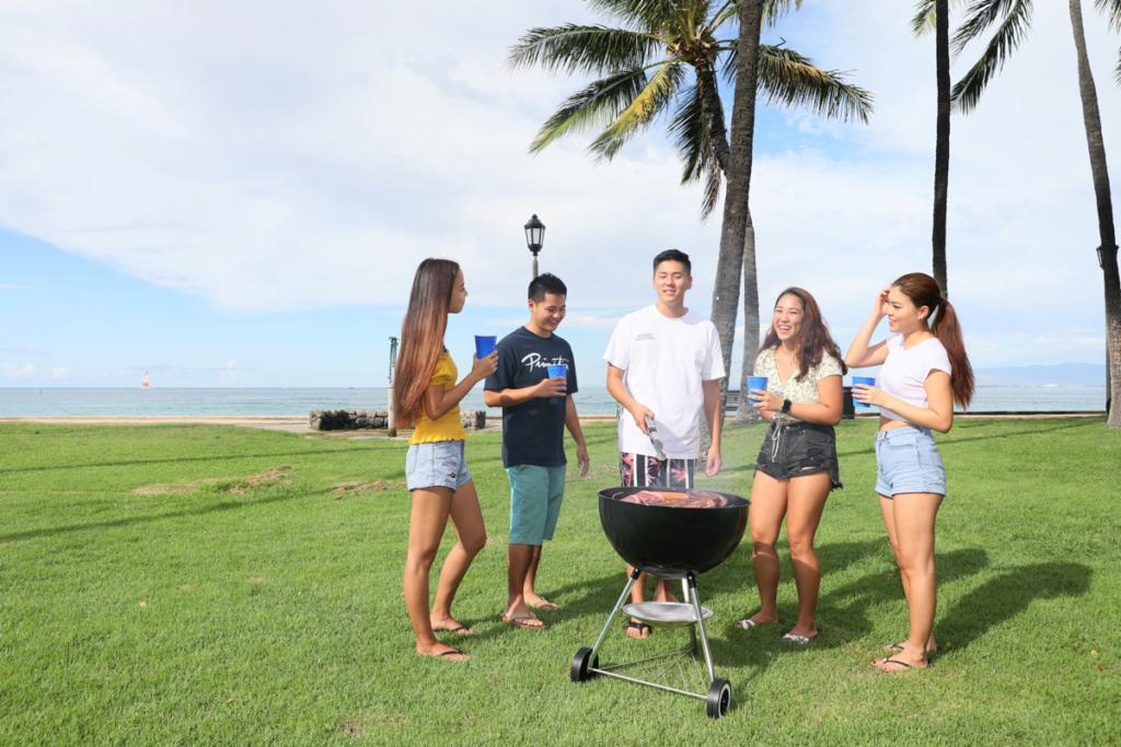 ハワイのビーチでバーベキューしませんか?